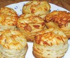 BÁMULATOS SAJTOS KRUMPLIS POGÁCSA – FINOM VIDÉKIES ÍZEK! Georgian Food, Savory Pastry, Hungarian Recipes, Breakfast Cookies, Biscuit Recipe, No Bake Cake, Food To Make, Bakery, Food And Drink
