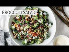 This delicious broccoli salad is a combination of broccoli, bacon, red onion, cranberries, sunflower seeds and goat cheese. And it's topped with a creamy mayonnaise yogurt dressing. So easy and delicious! Best Broccoli Salad Recipe, Healthy Broccoli Salad, Healthy Salad Recipes, Paleo Recipes, Healthy Snacks, Healthy Eating, Cooking Recipes, Broccoli Recipes, Free Recipes