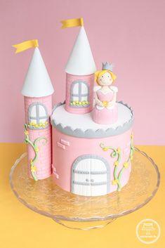Prinzessinentorte mit Schloss und Türmchen