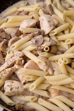Pasta Carbonara, Pasta Salad, Carne, Stuffed Mushrooms, Food And Drink, Cooking Recipes, Vegetables, Ethnic Recipes, Ads