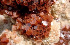 Aragonite - Scheda Scientifica - Minerali - Carbonati - Minerali.it