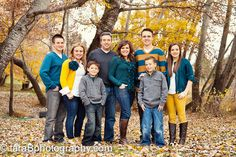 A great excellent how to coordinate a families wardrobe for a photo session.