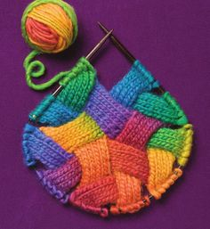 Dedicated knitters will find a fresh, fun challenge in this follow-up to Rosemary Drysdale's bestselling Entrelac. Filled with 85 all-new stitch patterns for creating texture in fabric, Drysdale's innovative collection takes this hot new needlework craze to the next level. Advanced beginners and intermediates can try their hand at everything from cables, lace, and relief stitches to circles, triangles, and never-before-seen interpretations, along with 25 patterns for beautiful garment...