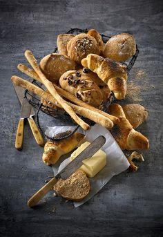 Her er 5 deilige bakverk som passer til suppe: grove scones, rundstykker, horn, grissini, Oppskrift på brød til suppe.