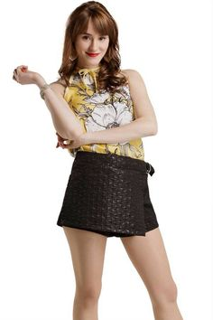katja martinez soy luna - Buscar con Google Sou Luna Disney, Jasmine, New Disney Channel Shows, Spanish Tv Shows, Cimorelli, Son Luna, Sequin Skirt, Malaga, Short Dresses