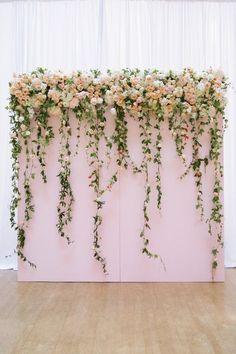 Resultado de imagem para mural de folhagens com flores