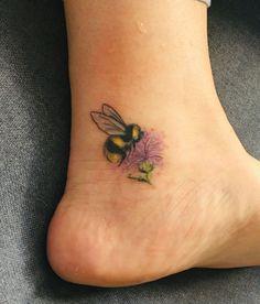 Bee and thistle tattoo on ankle Mini Tattoos, Body Art Tattoos, Small Tattoos, Cool Tattoos, Tatoos, Small Pretty Tattoos, Pretty Tattoos For Women, Bumble Bee Tattoo, Honey Bee Tattoo