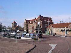 Station #Deventer is het spoorwegstation van Deventer, gelegen aan de #IJssellijn en aan de lijn #Apeldoorn - #Almelo. In het verleden was Deventer ook het beginpunt van de OLDO, de lokaalspoorlijn naar #Ommen via #Raalte.