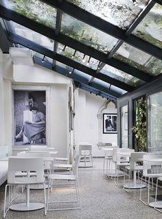 Peggy Guggenheim Café I