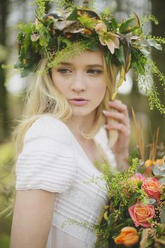 Wild flower crown | Grace Photography | see more on: http://burnettsboards.com/2015/06/untamed-innocence/