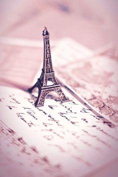 Discover and share the world's best photos / Tour Eiffel, Paris Eiffel Tower, Paris Wallpaper, Colorful Wallpaper, Cute Photography, Paris Photography, Eiffel Tower Photography, Panthères Roses, Romantic Paris