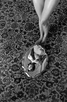 "Perfection! Feel like this is a mirrored reflection of Kundera's mind. ""© Ferdinando Scianna / Magnum Photos"""