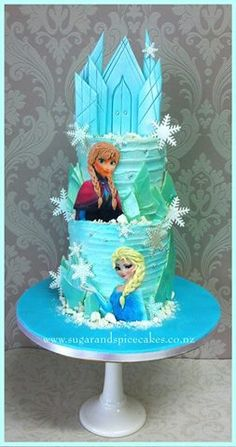Frozen themed cake - the sister's are still rocking it big time in popularity with the kids!