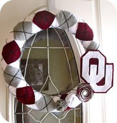 This could be changed to a UT wreath for football season.  (or high school colors)