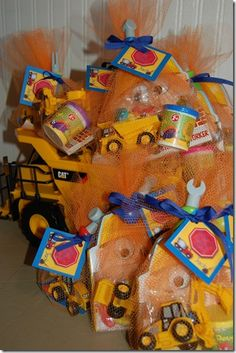 Construction Party Ideas: cute favors in orange netting.a construction party! Tractor Birthday, 1st Boy Birthday, 4th Birthday Parties, Birthday Party Favors, Birthday Ideas, Birthday Stuff, Construction Party Favors, Construction Birthday Parties, Party Ideas