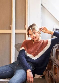 ISO Sezane Karl Jumper This sweater is sold out on the site. I am looking for an xs size! Look Fashion, Womens Fashion, Fashion Trends, Fashion 2017, Fashion Site, Fashion Forms, Fashion Outfits, Ladies Fashion, Fashion Photo