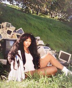 pinterestQueennTyyy     Snapchat: Shabba.Racks✨ Black Girl Magic, Black Girls, Hair Flip, Black Queen, Black People, My Black Is Beautiful, Love Hair, Dark Beauty, Solana Rowe