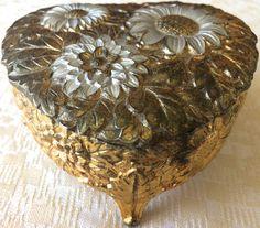 Vintage Gold Medal Embossed/Enameled Jewelry /Trinket Box (8163), Made in Japan