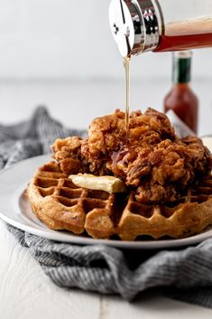 fried chicken and waffles & fried chicken and waffles . fried chicken and waffles recipe . fried chicken and waffles southern . fried chicken and waffles easy Fried Chicken And Waffles, Buttermilk Fried Chicken, Chicken And Waffles Recipe Easy, Hot Fried Chicken Recipe, Waffle Recipes, Brunch Recipes, Waffle Syrup Recipe, Pancake Recipes, Crepe Recipes