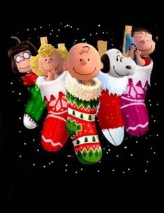 Christmas - Charlie Brown Snoopy & The Peanuts Gang Merry Christmas, Peanuts Christmas, Mickey Christmas, Charlie Brown Christmas, Winter Christmas, Snoopy Images, Snoopy Pictures, Peanuts Cartoon, Peanuts Snoopy