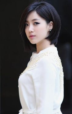 """Hahm Eun-jung, also known as Elsie, is a South Korean idol singer and actress. She is best known for being the main vocalist of the Korean girl group T-ara. She made her solo debut as Elsie on May with the single """"I'm Good"""". Korean Beauty, Asian Beauty, T Ara Eunjung, Asian Hair, Korean Hair, Asian Celebrities, Her Hair, Kpop Girls, Short Hair Styles"""
