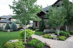 Nowadays, a great deal of individuals spend in landscaping their yard. In the end, the front lawn of your home is the very first thing … Landscaping Images, Modern Landscaping, Front Yard Landscaping, Landscaping Jobs, Landscaping Plants, Modern Front Yard, Front Yard Design, Aspen, Farmhouse Landscaping