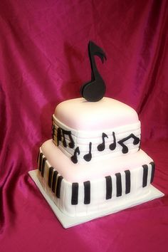 Music Note Cake by Be My Cupcake, via Flickr This is so awesome!!  I would love to learn how to do this stuff so I can make one of these!