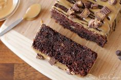 Double Chocolate Banana Bread with Peanut Butter Icing – Tina's Chic Corner Peanut Butter Icing, Peanut Butter Recipes, Peanut Butter Banana, Chocolate Peanut Butter, Chocolate Recipes, Chocolate Lovers, Bannana Cake, Just Desserts, Butter