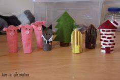 Ces différentes marionnettes ont été entièrement fabriquées par mes petites mains. Pour les trois petits cochons et le loup ilvous faut : - de la feutrine rose - des petites perles noires -...