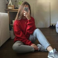 rate this outfit over 10 ☺️ Mode Instagram, Shotting Photo, Girls Mirror, Selfie Poses, Girly Pictures, Girls Selfies, Insta Photo Ideas, Girl Photography Poses, Tumblr Girls