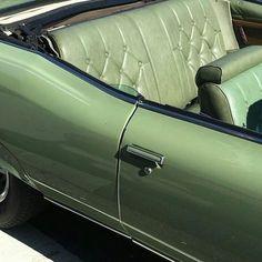 39 Ideas for vintage cars green colour Mint Green Aesthetic, Aesthetic Colors, Aesthetic Pictures, Aesthetic Black, Aesthetic Gif, Aesthetic Collage, Green Theme, Green Colors, Verde Vintage