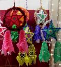Parol is a traditional Filipino Christmas decoration, a five point star-shaped Christmas lantern. Parol reminds the Filipino Christians of the star of Bethlehem that guided the Three Wise Men on their way in search of the new-born Jesus. Christmas Parol, Christmas Lanterns Diy, Star Lanterns, Christmas Star, Outdoor Christmas Decorations, Paper Decorations, Simple Christmas, Christmas Crafts, Winter Christmas