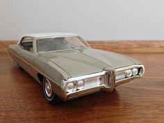 1969 Pontiac Bonneville 2 Door Ht promo model Plastic Model Kits, Plastic Models, Promotional Model, Models For Sale, Pontiac Bonneville, Pontiac Firebird, Train Car, Diecast Model Cars, Big Trucks