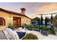 A rooftop seating area. Beverly Hills, CA Coldwell Banker Residential Brokerage