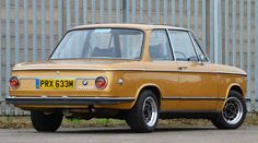 BMW 2002 - Round Rear Lights - Sunroof - Ceylon Gold (1973) (picture 2 of 6)