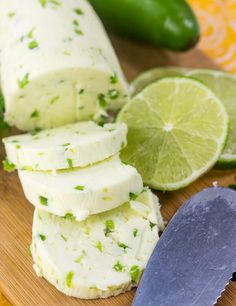 An easy, spreadable, adaptable recipe this Homemade Jalapeno Lime Butter whips up in minutes and compliments everything. >>> Visit the image link for more details. Flavored Butter, Homemade Butter, Fun Cooking, Cooking Recipes, Compound Butter, Butter Cheese, Butter Spread, Cream Cheese Spreads, Kraut
