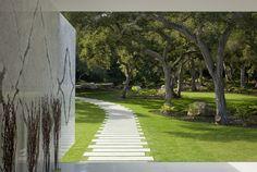 Garden path - The 'Glass Pavilion' in  Montecito, California, by Architect Steve Hermann,