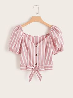 To find out about the Striped Button Front Knot Hem Blouse at SHEIN, part of our latest Blouses ready to shop online today! Look Fashion, Girl Fashion, Fashion Outfits, Blouse Styles, Blouse Designs, Cute Casual Outfits, Summer Outfits, Crop Blouse, Skirt Outfits