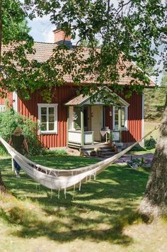 Swedish Cottage, Red Cottage, Cottage In The Woods, Cabins In The Woods, Cottage Style, Red Houses, Village Houses, Sweden House, Cabins And Cottages