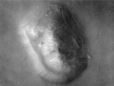 HiRISE face - Cydonia Mensae – Wikipedia