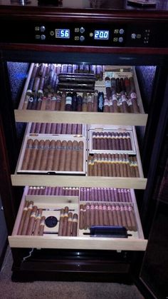 Perfect cigar humidor for an office or man cave! #PremiumCigars #CigarHumidor #CigarLover