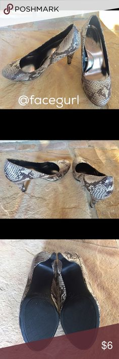 """Faux snakeskin pumps Merona brand, size 5.5, 3"""" heels, all man made materials, used 1 time, excellent condition! Super cute with jeans or leggings! Merona Shoes Heels"""
