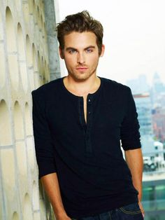 """Kevin Zegers! In """"Dawn of the Dead"""" and """"Mortal Instrument;  City of Bones"""" as Alec"""