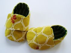 Baby sneakers.  Link to purchase PDF pattern for $4.00