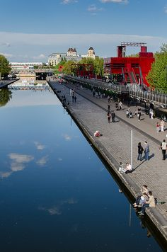 Paris Parc La Villette - Canal Saint martin / Ourcq by hebiflux, via Flickr