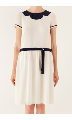 Dress with inlaid blue collar