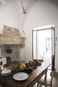 Progetto di ristrutturazione di una porzione di un palazzo storico nel centro storico di Pat, Patù, 2013 - Luca Zanaroli