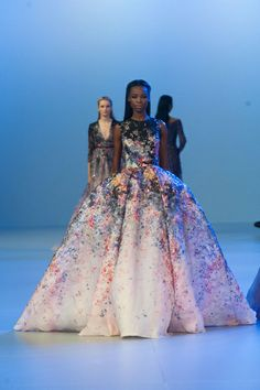 Haute Couture SS 2014 – Elie Saab See all fashion show on: http://www.bookmoda.com/sfilate/haute-couture-ss-2014-elie-saab/#imgID-70199 #hautecouture #spring #summer #catwalk #womansfashion #woman #fashion #style #look #collection #SS2014 #eliesaab @Karmien Nys Saab #fashionshow