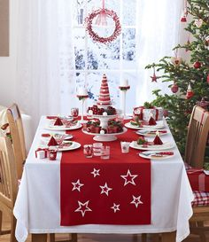 This time I'll show you images of 40 Cozy Christmas Kitchen Decorating Ideas that I'm sure you will gonna love. Christmas Kitchen, Scandinavian Christmas, Rustic Christmas, White Christmas, Christmas Home, Christmas Holidays, Christmas Photos, Beautiful Christmas, Modern Christmas