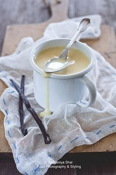 Vanilla Sauce. 1C Sugar, 2T cornstarch, 2C Boiling water, 1/4C butter, 1/4t salt, 1T Vanilla. Mix sugar and cornstarch, add it to the boiling water stir constantly for 5 minutes. Remove from  heat add butter, salt and vanilla. Serve over biscuits, pancakes, French toast, ice cream etc..